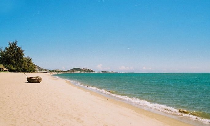 Thuan An beach is situated near by Thuan An mouth