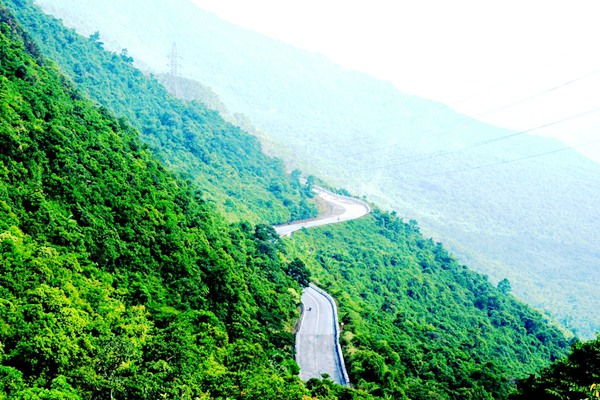 Hai Van Pass is situated along the Hai Van mountain